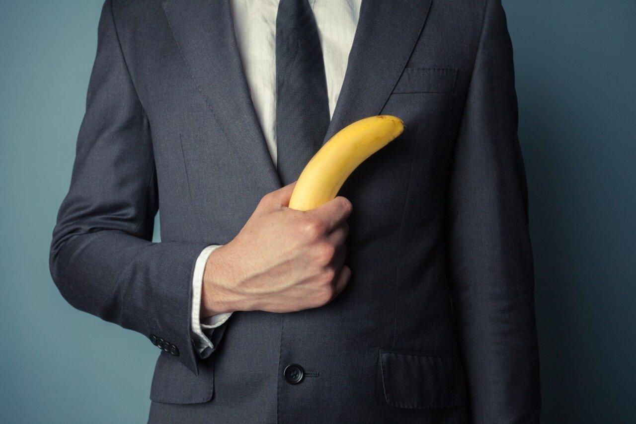 normali erekcijos varpa vyras turi erekciją mergaitėms